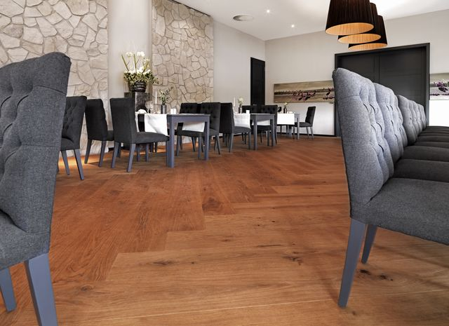 Restaurants - EICHE Country gebuerstet natur geoelt