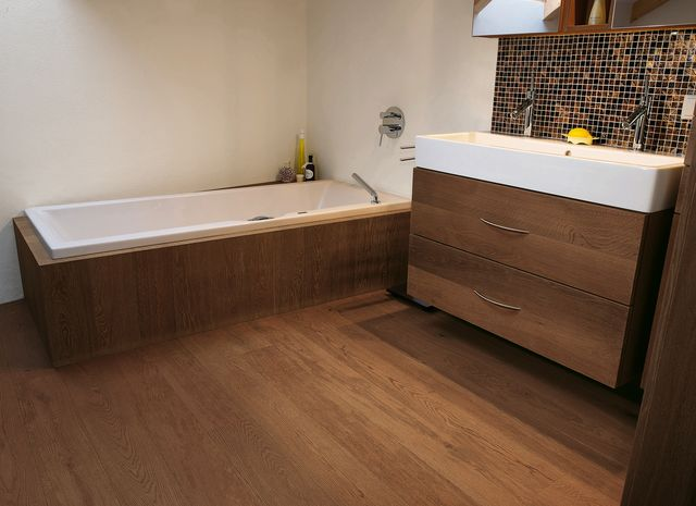 Holzboden im Badezimmer | mafi