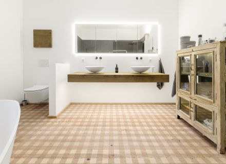 Parkett Naturholzboden Im Badezimmer Mafi - Badezimme